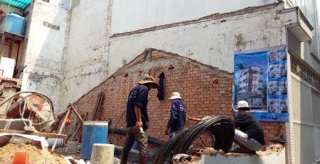 công nhân gia công sắt thép cọc khoan nhồi